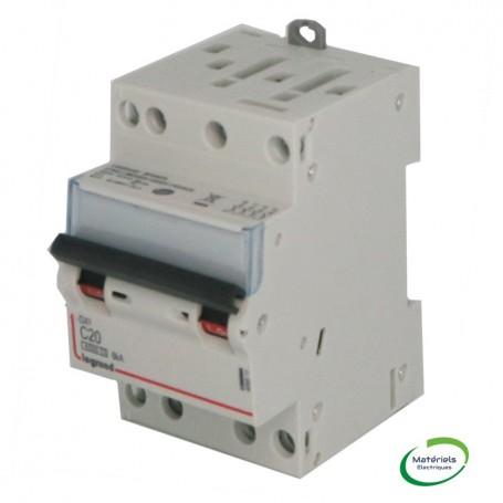 LEGRAND 406911 - Disjoncteur, DX, 4500, 400V, C20, Vis/Vis, 3M