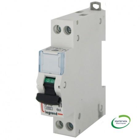 LEGRAND 406802 - Disjoncteur, U+N, 230V, 16A, Vis/Vis, Courbe D